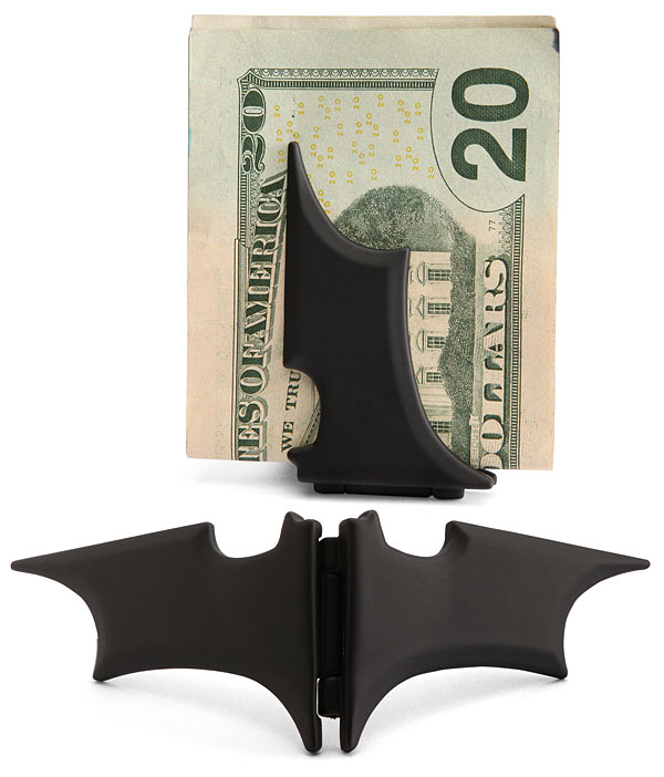 superhero-gift-ideas-for-dad-batman-money-clip