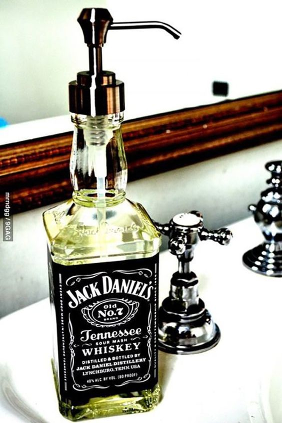 21-man-cave-ideas-diy-jack-daniels-soap-dispenser
