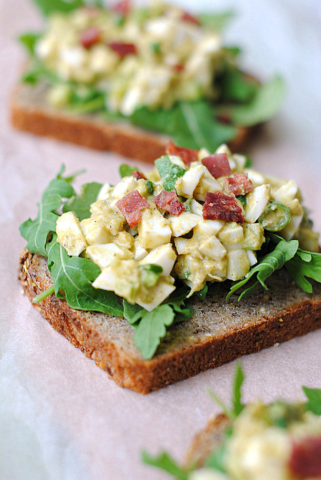 Healthy Breakfast Recipes Egg White and Avocado Salad Toast